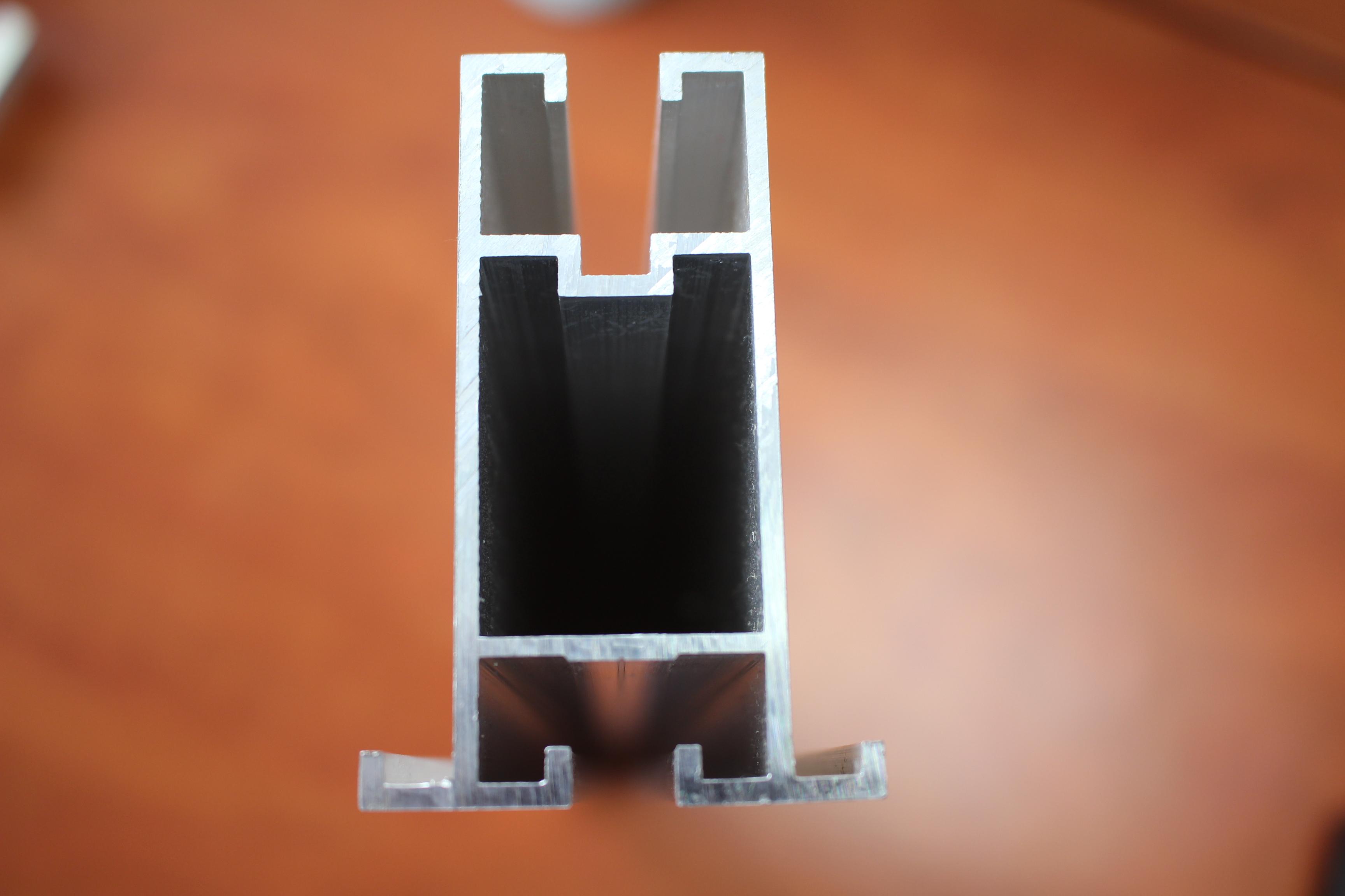 Profily pro fotovoltaické konstrukce, nosné konstrukce